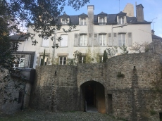 bastion et immeuble